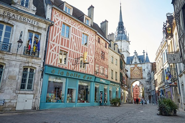 Yonne - Auxerre - vineyards - Chablis - Irancy - Rocher du Saussoi - Vézelay pilgrimage site