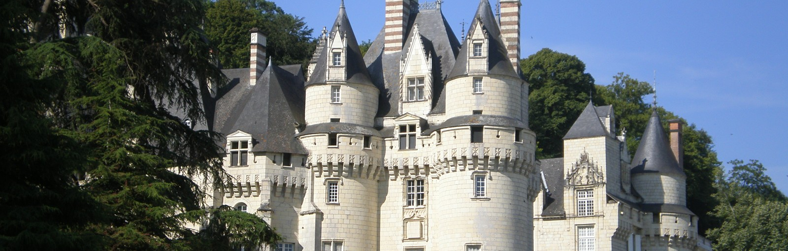 Tours Paris – Champagne - Burgundy – Berry – Loire Valley - Paris - Multi-regional - Multiday tours from Paris