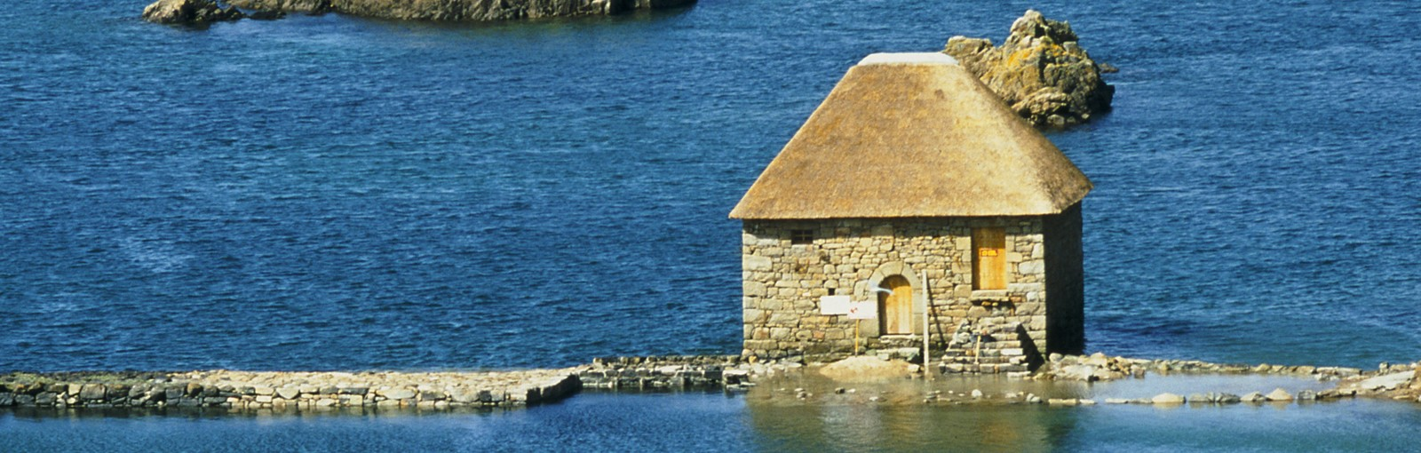 Tours Normandy - Brittany – Loire valley and Chartres - Multi-regional - Multiday tours from Paris
